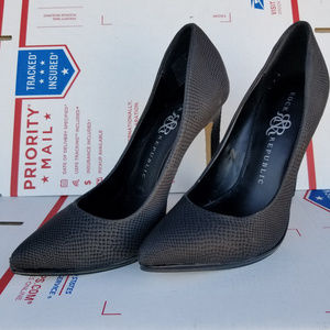 Rock & Republic Black Arabella Pumps Size 6.5